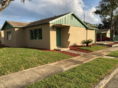 Lake Worth Single Family Home For Sale: 529 Worthmore Drive