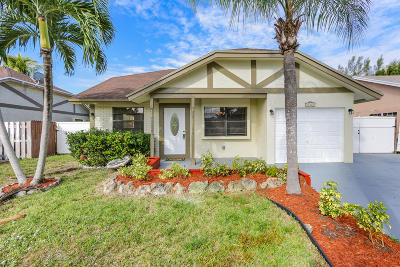 Boca Raton Single Family Home For Sale: 23320 Country Club Drive W