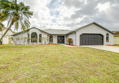 Port Saint Lucie Single Family Home For Sale: 2341 SE Stargrass Street