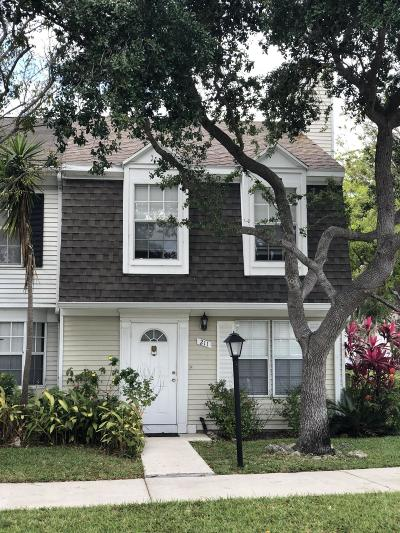 Jupiter Townhouse For Sale: 211 Georgian Park Drive