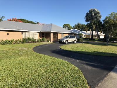 Stuart Single Family Home For Sale: 3652 SE Clubhouse Place