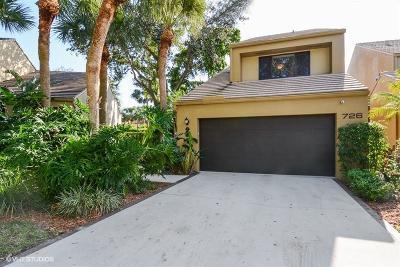 Boca Raton Townhouse For Sale: 726 St Albans Drive