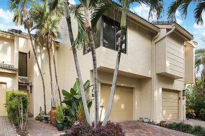 Highland Beach Townhouse For Sale: 1135 Boca Cove Lane