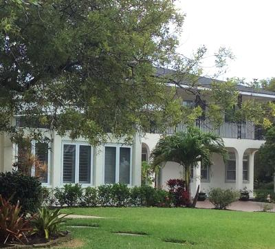 Fort Pierce Single Family Home For Sale: 2205 S Indian River Drive