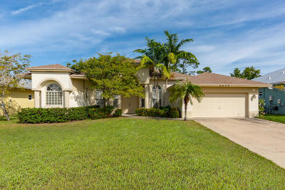 Hobe Sound Single Family Home Contingent: 8624 SE Pinehaven Avenue