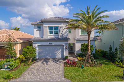 Delray Beach Single Family Home For Sale: 9704 Salty Bay Drive