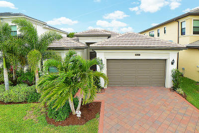 Delray Beach Single Family Home For Sale: 9535 Eden Roc Court