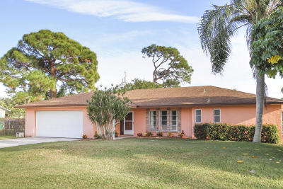 Port Saint Lucie Single Family Home For Sale: 113 SE Camino Street