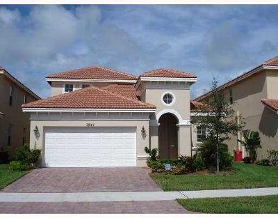 Hobe Sound Single Family Home For Sale: 7841 SE Heritage Boulevard
