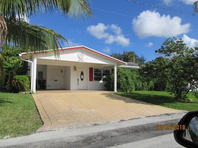 Tamarac Single Family Home For Sale: 4704 NW 29 Terrace