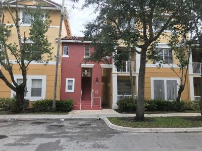Royal Palm Beach Condo For Sale: 2032 Shoma Drive
