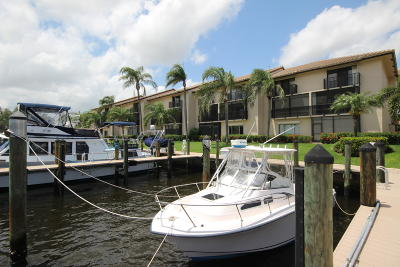 Delray Beach Townhouse For Sale: 240 Captains Walk #514