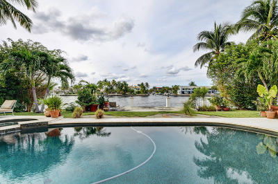 Highland Beach Single Family Home For Sale: 4304 Intracoastal Drive