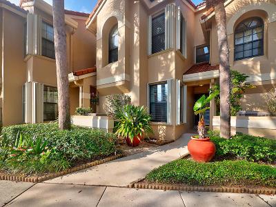 Palm Beach Gardens Townhouse For Sale: 2379 Treasure Isle Drive #26 W 25'
