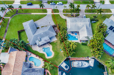 North Palm Beach Single Family Home For Sale: 908 Westwind Drive