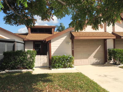 Port Saint Lucie Single Family Home For Sale: 1419 SE Colchester Circle