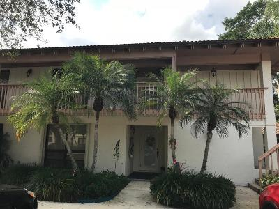 Palm Beach Gardens Condo For Sale: 419 Brackenwood Lane S