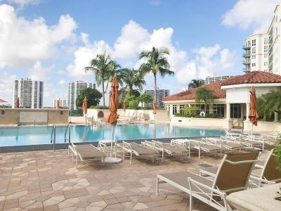 Miami-Dade County Condo For Sale: 19900 E Country Club Drive #1020