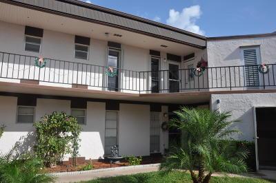 Royal Palm Beach Condo For Sale: 7 Greenway #208