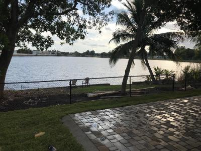 Pompano Beach Single Family Home For Sale: 2220 NW 10th Court