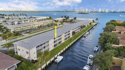 North Palm Beach Condo For Sale: 120 Lehane Terrace #218