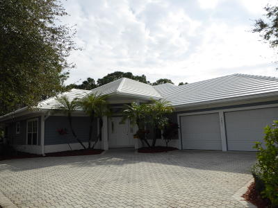 Hobe Sound Single Family Home Contingent: 7871 SE Double Tree Drive
