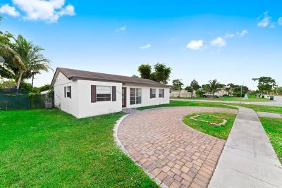 Margate Single Family Home For Sale: 6590 Winfield Boulevard