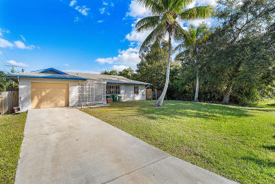 St Lucie County Single Family Home For Sale: 125 NW Curry Street