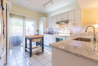 St Lucie County Single Family Home For Sale: 3320 SE Sandpiper Circle