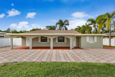 Lake Worth Single Family Home For Sale: 211 Urquhart Street
