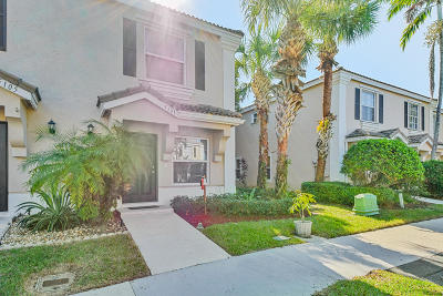 West Palm Beach Townhouse For Sale: 5101 Palm Brooke Circle