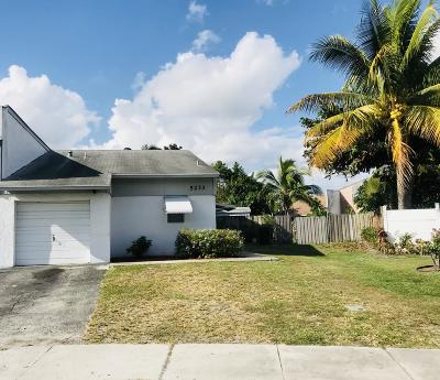 Delray Beach Single Family Home For Sale: 5233 NW 6th Street