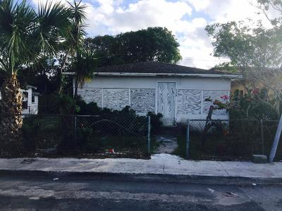 West Palm Beach Single Family Home For Sale: 728 22nd Street