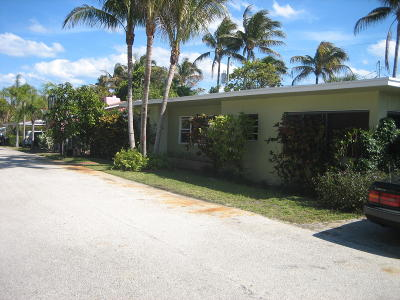 Boynton Beach Single Family Home For Sale: 4 Bel Air Drive