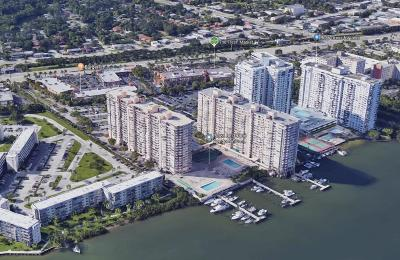 Miami-Dade County Condo For Sale: 18051 Biscayne Boulevard #203-1