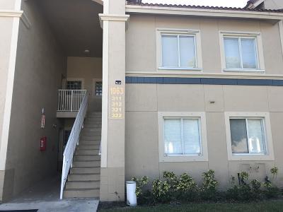 West Palm Beach Condo For Sale: 1063 Golden Lakes Boulevard #322