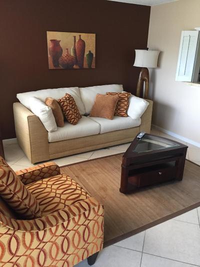 West Palm Beach Condo For Sale: 84 Berkshire D