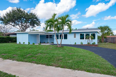 North Palm Beach Single Family Home Contingent: 808 Cinnamon Road