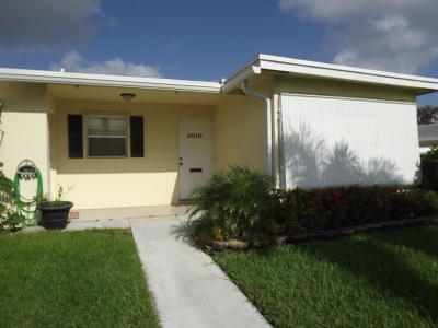 Boynton Beach Single Family Home For Sale: 201 Bayview Avenue #D