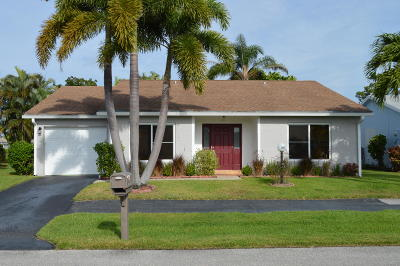 Lake Worth Single Family Home For Sale: 7360 Pine Forest Circle