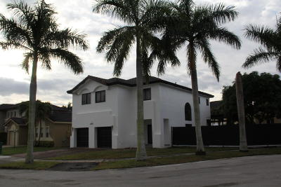Miami Single Family Home For Sale: 15892 SW 138th Terrace