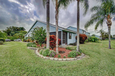 Lake Worth Townhouse For Sale: 3867 Island Club Circle