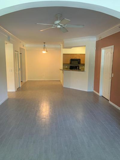 West Palm Beach Condo For Sale: 9833 Baywinds Drive #7103