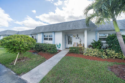 West Palm Beach Single Family Home For Sale: 2638 Gately Drive E #59