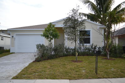 Lake Worth Single Family Home For Sale: 95 18th Avenue S