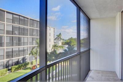 Boynton Beach Condo For Sale: 740 E Ocean Avenue #304