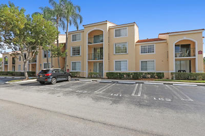 West Palm Beach Condo For Sale: 1755 Village Boulevard #205