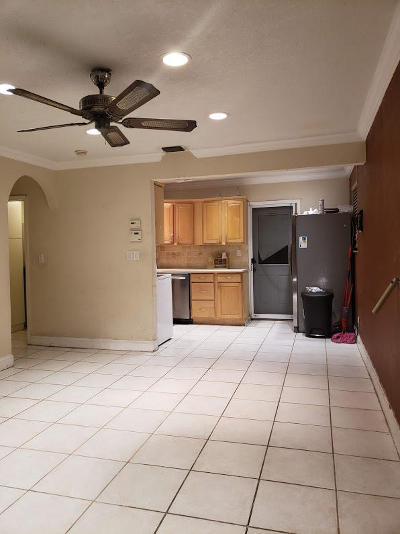 Margate FL Single Family Home For Sale: $205,000