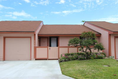 Boynton Beach Single Family Home For Sale: 116 Mayfair Lane