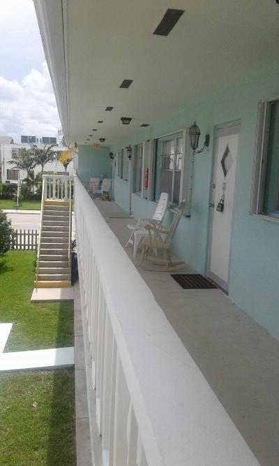 Lake Worth Condo For Sale: 228 Federal Highway #Apt 8